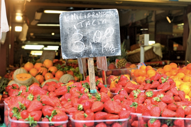 Italian Market Strawberries